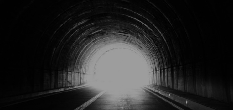 bright-light-dark-tunnel